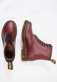 Dr. Martens - 1460  BOOT - Stivaletti stringati - cherry red rouge - 1