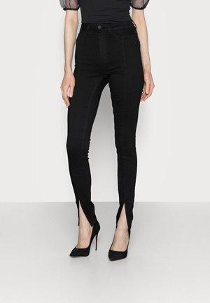 NMCALLIE SLIT DETAIL - Jeans Skinny Fit - black denim