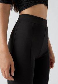 PULL&BEAR - Pantalon classique - mottled black - 4