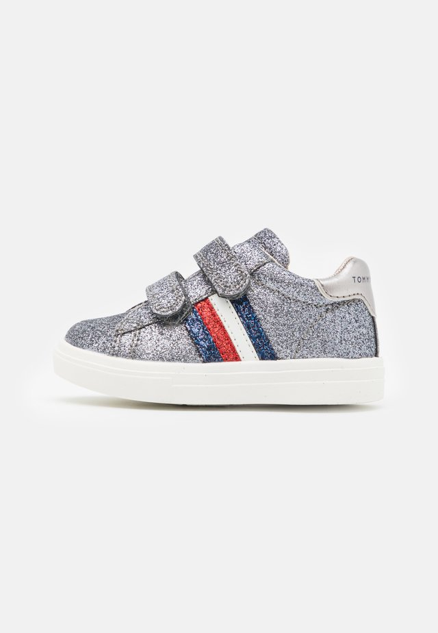 Sneakers - dark grey