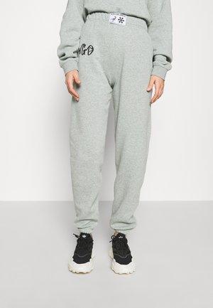 Teplákové kalhoty - sage