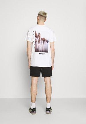 BREEZE PALM TREE REGULAR - Print T-shirt - off white