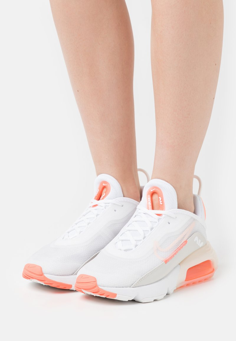 Nike Sportswear - AIR MAX 2090 - Trainers - white/crimson tint/bright mango