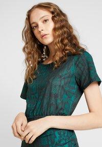 Ivyrevel - FRONT WRAP DRESS - Shift dress - green - 4