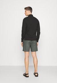 Banana Republic - CORE TEMP EASY - Shorts - heathered charcoal - 2
