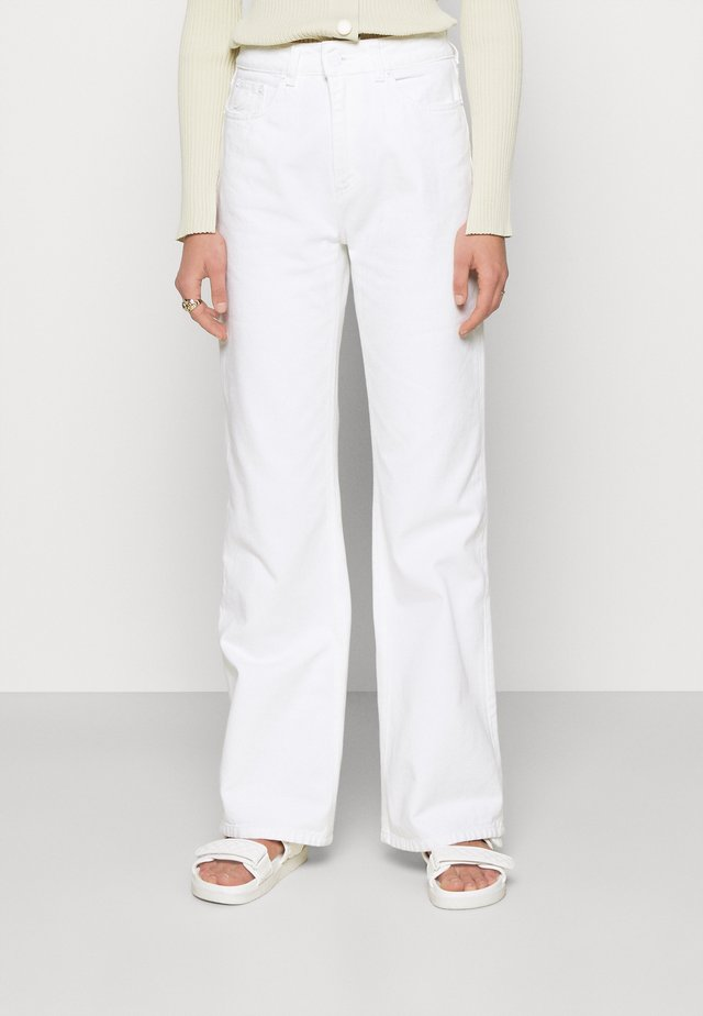 NINETTE - Džíny Straight Fit - white denim