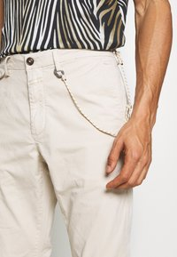 CLOSED - ATELIER CROPPED - Pantaloni - barely beige - 5