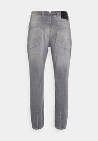 Gabba - ALEX SANZA - Jeans Tapered Fit - grey denim - 6