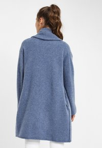 PONCHO COMPANY - Neuletakki - light-blue denim - 1