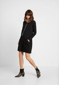 Mara Mea - DESERT - Jersey dress - black - 2