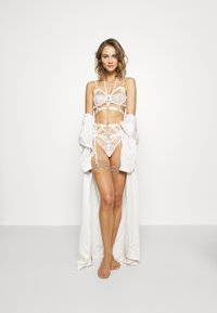 Hunkemöller - JACKY UP - Soutien-gorge à armatures - off-white - 1