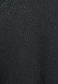Nike Performance - BREATHE COOL - T-shirt imprimé - black/silver - 2