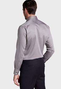 Eterna - FITTED WAIST - Formal shirt - beige brown - 1