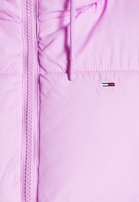 Tommy Jeans - CROPPED PUFFER - Winter jacket - fresh orchid - 6