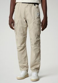 Napapijri - M-HONOLULU - Cargo trousers - natural beige - 0