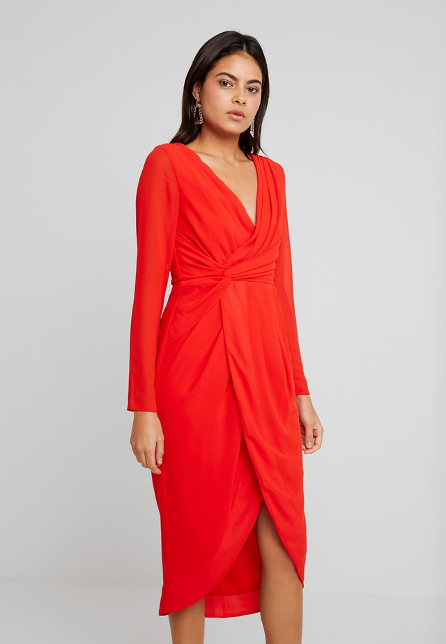 GWENNO MIDI WRAP DRESS - Cocktail dress / Party dress - bright red