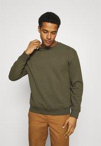 Topman - CREW 2 PACK - Sweatshirt - olive - 3