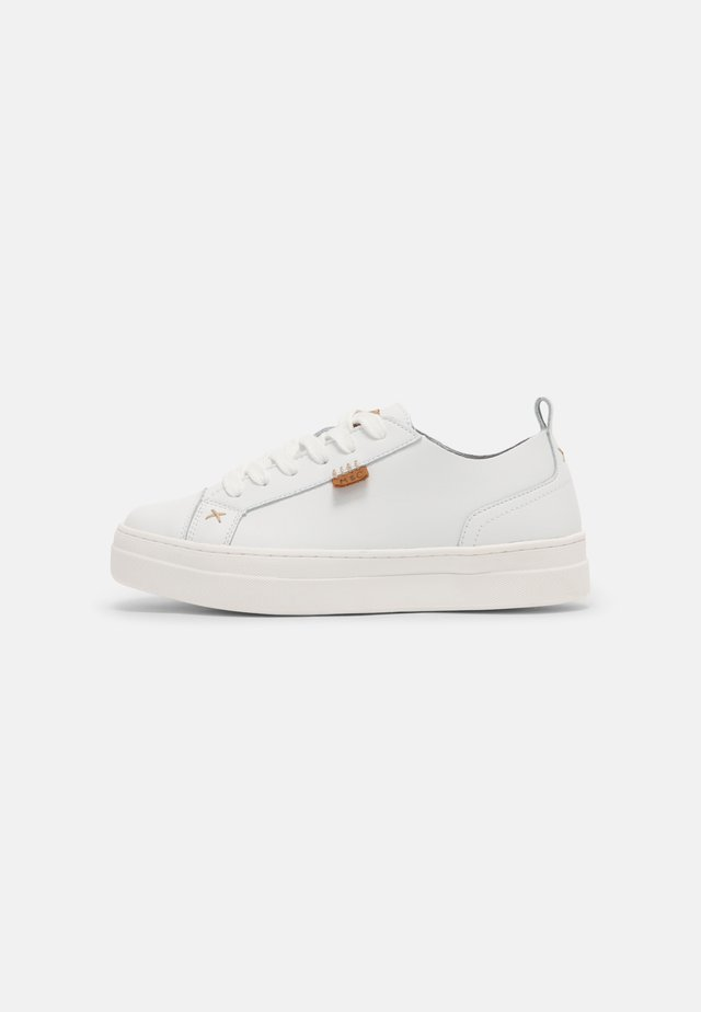 MASY - Sneakers laag - white