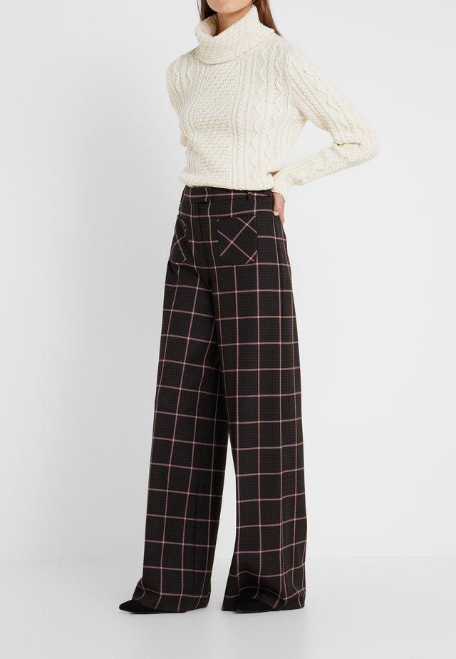 ACCANTO - Pantaloni - dark brown