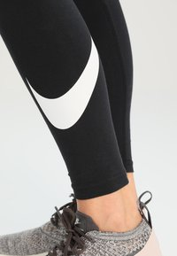 Nike Sportswear - CLUB LOGO - Leggings - Hosen - black - 3