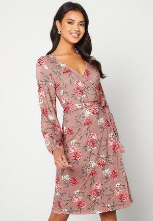 AMANDA - Jersey dress - pink