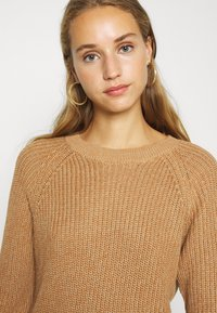 Noisy May - NMSIESTA O-NECK DRESS - Jumper dress - camel - 3