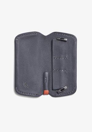 KEY COVER PLUS  - Key holder - graphite
