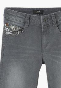 BOSS Kidswear - Slim fit jeans - denim grey - 2