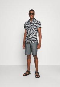 Casual Friday - PERSEY - Shorts - navy blazer - 1