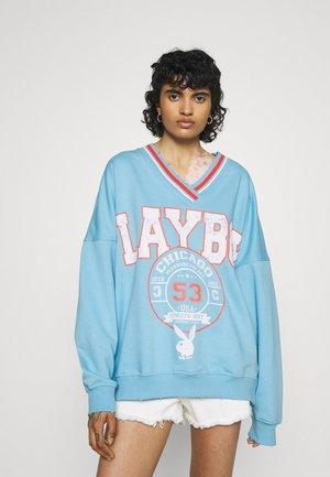 PLAYBOY VARSITY GRAPHIC V NECK - Sweatshirt - blue