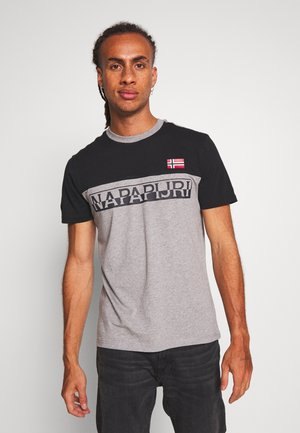 SARAS - Camiseta estampada - med grey