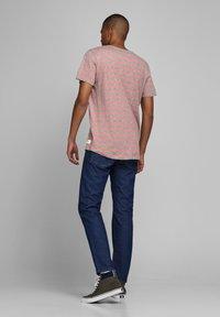 Jack & Jones - Print T-shirt - rosette - 2