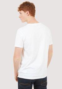 Timberland - BASIC SLIM TEE 3 PACK - Basic T-shirt - grey/white/black - 5