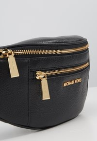 MICHAEL Michael Kors - WAISTPACK - Bum bag - black - 2