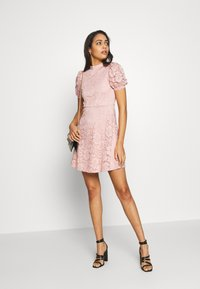 Vila - VILILJA PUFF SLEEVE LACE DRESS - Sukienka koktajlowa - pale mauve - 1