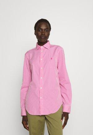 GEORGIA-LONG SLEEVE - Button-down blouse - pink/white