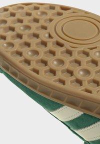 adidas Originals - HAMBURG TERRACE - Sneakers basse - green off white gum - 9