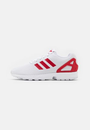 ZX FLUX UNISEX - Trainers - footwear white/scarlet