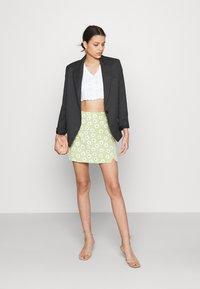 Glamorous - CARE NOTCH SKIRTS - Mini skirt - olive green - 1