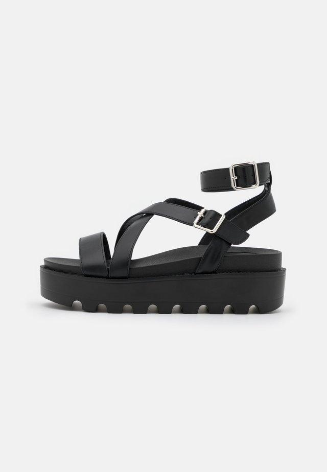 VEGAN CERES GLADIATOR  - Sandály na platformě - black