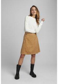 Nümph - NUMEGHAN CALA SKIRT - A-line skirt - tannin - 0