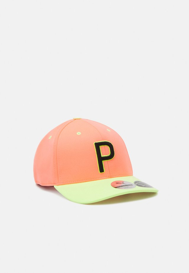ONLY SEE GREAT - Casquette - peach/fizzy yellow