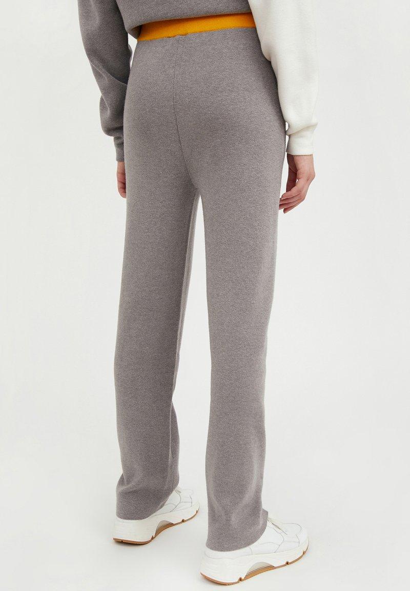 Finn Flare - Tracksuit bottoms - grey melange