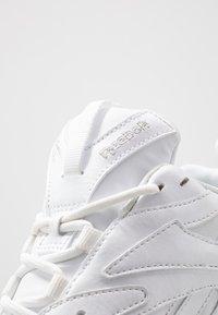 Reebok Classic - AZTREK DOUBLE MIX - Sneakers basse - white/black - 2