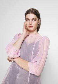 Weekday - VANESSA DRESS - Denní šaty - pink light - 3