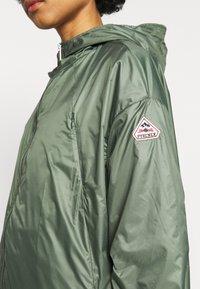 PYRENEX - WATER REPELLENT AND WINDPROOF - Waterproof jacket - jungle - 6