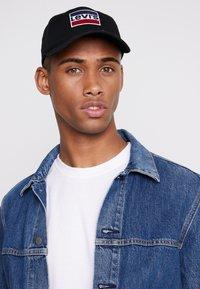 Levi's® - SPORTSWEAR LOGO HAT - Keps - regular black - 1