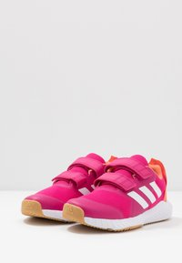 adidas Performance - FORTAGYM RUNNING SHOES - Laufschuh Neutral - real magenta/footwear white/semi coral - 3