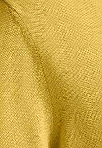 TOM TAILOR - BASIC V-NECK - Jumper - california sand melange - 2