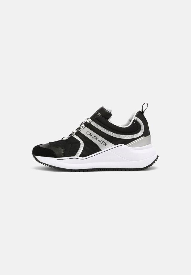 RUNNER LACEUP - Sneakers basse - black